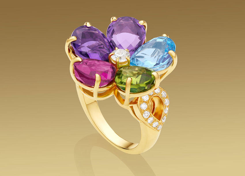 Кольца Bvlgari с камнями