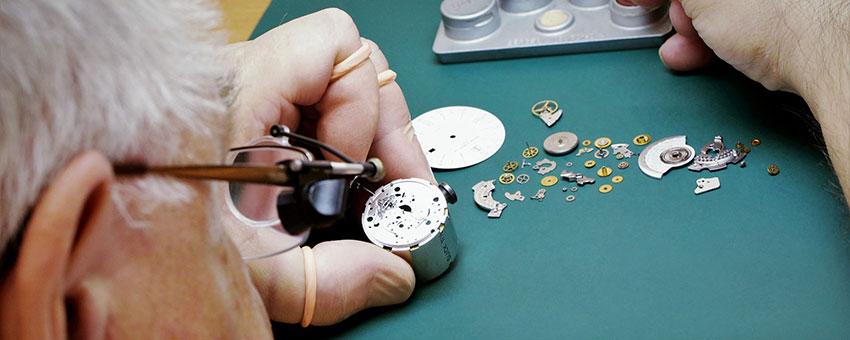 Сломались швейцарские часы в Москве